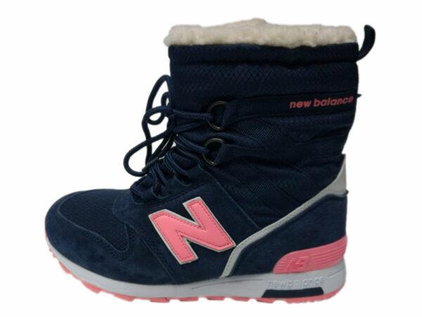 Розовые кроссовки New Balance