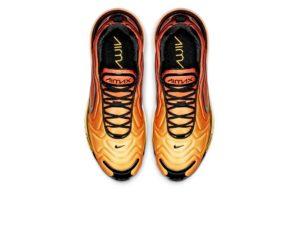 Nike Air Max 720 черные с желтым (35-44)