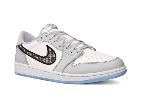 Женские кроссовки Nike Air Jordan