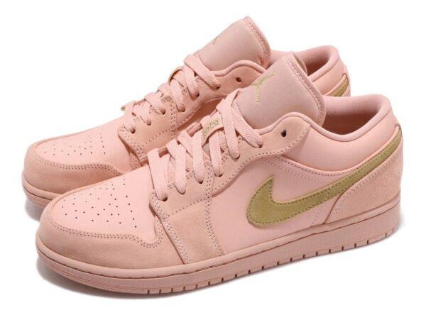 Весенние кожаные кроссовки